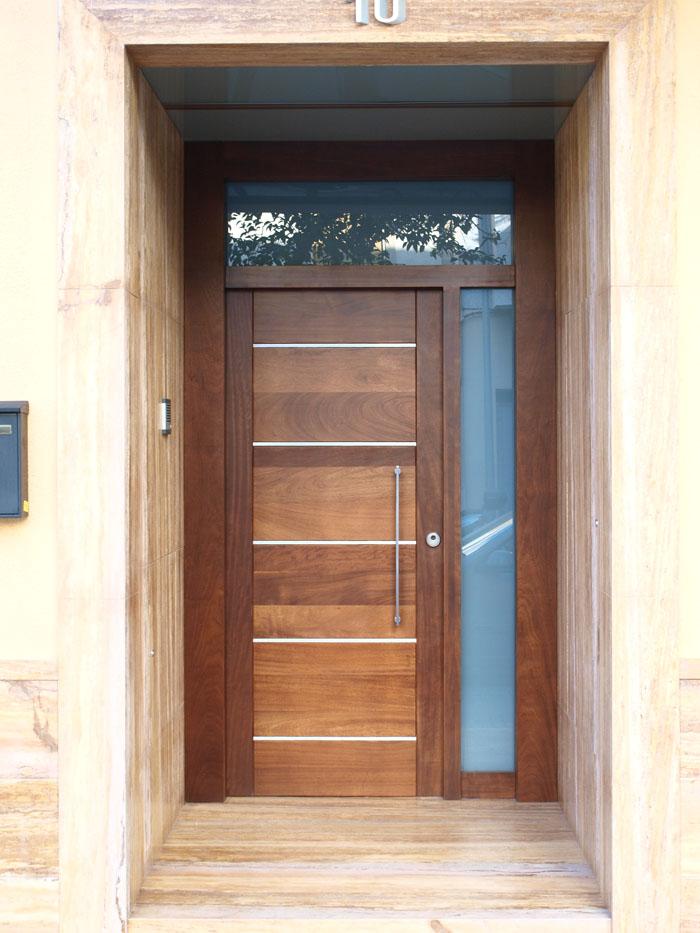 Fustabric cb muebles cocinas ba os parquet y puertas - Puertas de calle de madera ...